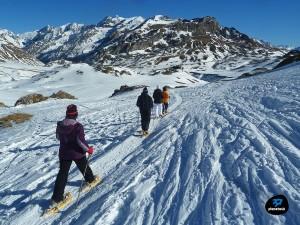 excursión-en-raquetas-de-nieve-300x225